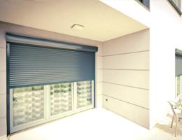 Apsaugines žaliuzės – Susukamos langinės